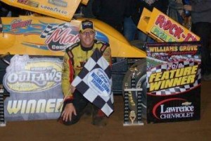 Greg Hodnett wins the World of Outlaws feature at